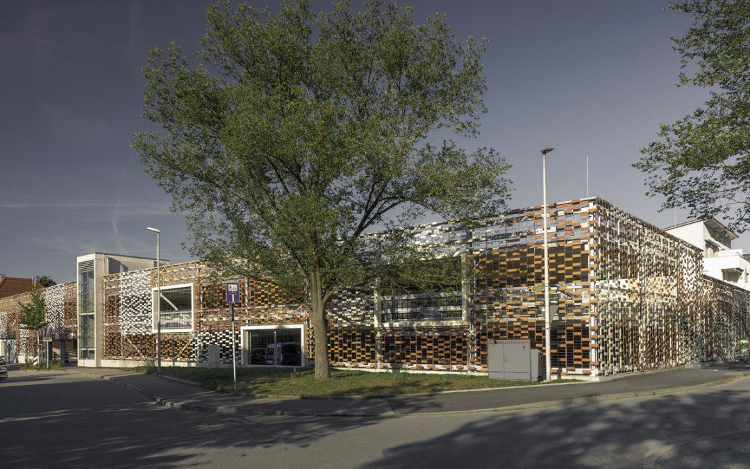 Innovatives Schranken- und ticketloses Parken für Mitarbeiter