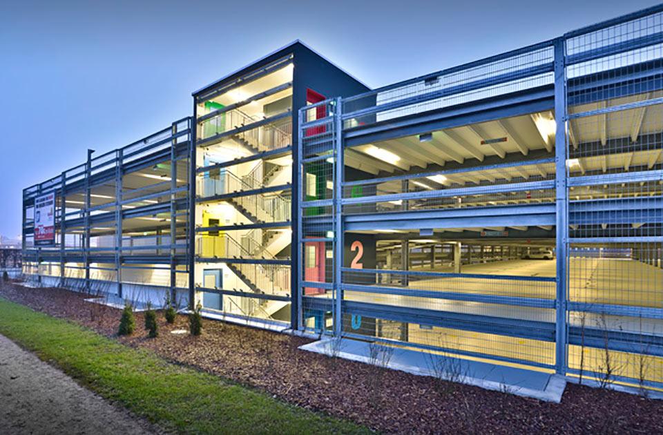 Projekt Hamburg, Parkhaus am Flughafen